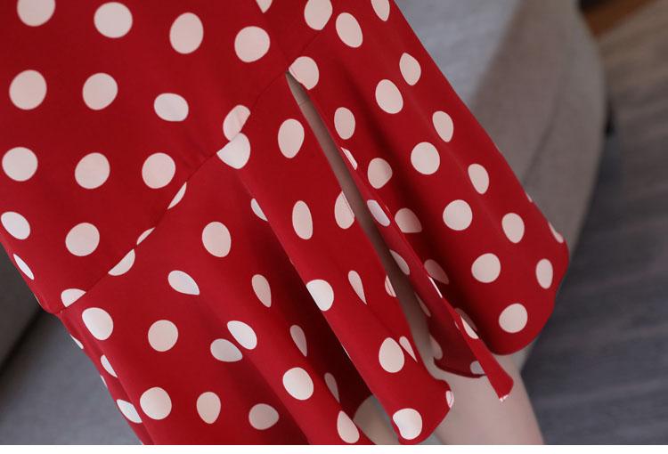 便宜儿童服装2元服饰批发3元男女长袖特价服饰批发5元棉服批发