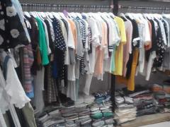 经营一家品牌服装店卖尾货的前景如何