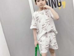 在儿童服装行业角逐激烈的环境下 儿童服装带你怎么样挣钱